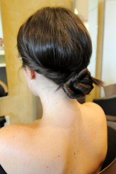 Twist on the classic bun. From day to night, keep looking classy in Chicago!
