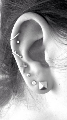 30 Ear Piercing ideas and piercing type from minimal cute piercing –pyramid piercing