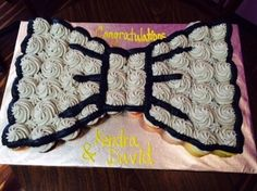 bow shaped pull apart cake | Cupcake Cakes | Cutie Pies