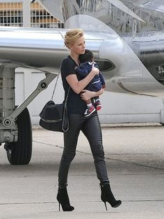 Charlize Theron's hot mom style I mean if I looked like her it would be easy darn her lol