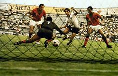 West Germany 2 Morocco 1 in 1970 in Leon. Gerd Muller pokes the winner home on 80 minutes in Group 4 at the World Cup Finals. Retro Football, Football Soccer, 1970 World Cup, Good Soccer Players, World Cup Final, Van Halen, Morocco, Finals, Mexico