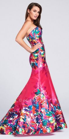 Steal the spotlight at Prom in the Sweetheart Signature Print Mermaid Prom Dress by Ellie Wilde for Mon Cheri. This beautiful gown features a sweetheart neckline, the Ellie Wilde signature print, and a slight sweep train. Removable straps are also included. #edressme