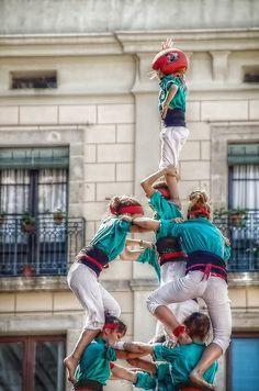 Guiddoo World Travel Barcelona, Festivals Around The World, The Masterpiece, Towers, Harajuku, Events, Costumes, Fashion, Hippy Girl
