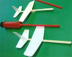 STRAW AIRPLANE WITH BALLOON PUMP