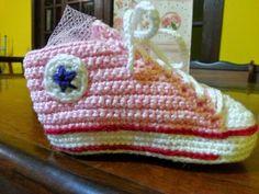 Teia de Carinhos: Tênis All Star em crochê - 3 a 6 meses