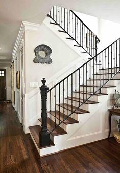 staircase.jpg 535×768 pixels