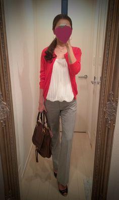 White shirt + red sweater + gray pant - http://ameblo.jp/nyprtkifml