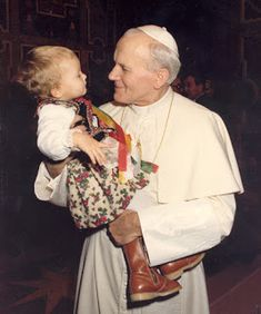 Saints, Blessed, Venerable and Servants of God: SAINT JOHN PAUL II: 21 INTERESTING FACTS ABOUT THIS SANTO PAPA.