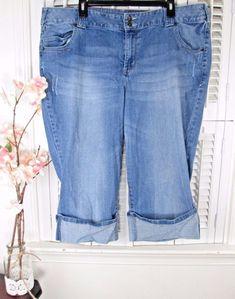 ca59c6bcba5c3 LANE BRYANT Plus Size 22 ~ Light Wash STRETCH Denim Capris Jeans  LaneBryant   CapriCroppedStretchCuffed