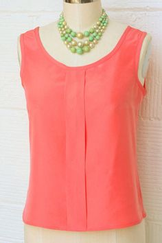 Free pattern from Colette Patterns for a simple to make Sorbetto top. Great project for beginners!