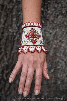 Brazalete bordado búlgaro. Pulsera de Crochet por KaterinaDimitrova