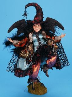 Mark Roberts 14 inch Whimsical Witch Halloween Doll, Holidays Halloween, Halloween Crafts, Halloween Decorations, Halloween Witches, Halloween Ideas, Mark Roberts Fairies, Autumn Fairy, Beautiful Fairies