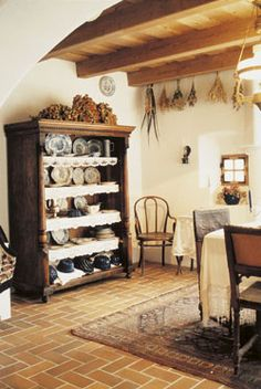 + Old World Kitchens, English Country Cottages, Cottage Homes, Architectural Elements, Beautiful Interiors, Old Houses, Farmhouse Decor, Sweet Home, Travelogue