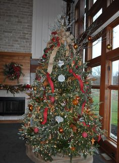 modern-rustic Christmas tree with burlap ribbon & galvanized ornaments made by MadisonHouse