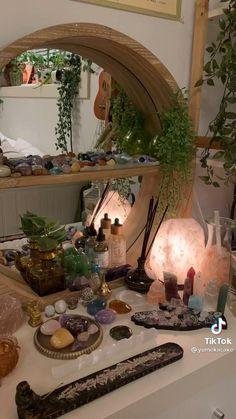 Indie Room Decor, Cute Room Decor, Aesthetic Room Decor, Room Design Bedroom, Room Ideas Bedroom, Bedroom Inspo, Crystal Room Decor, Crystal Bedroom, Pretty Room