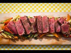 Tomahawk Steak & Spargelsalat von der Buchenholzplanke