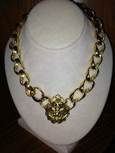 Vintage Anne Klein Signature Lion Necklace Goldtone LG Chain.