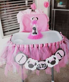 Mickey Mouse / Minnie Mouse Birthday Party Ideas | Photo 3 of 24 | Catch My Party
