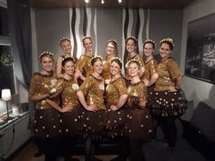 Ferrero Rocher Kostüm - - Petra Homepage - New Ideas Carnival Dress, Diy Carnival, Carnival Costumes, Ferrero Rocher, Diy Couples Costumes, Costumes For Teens, Crazy Costumes, Cool Costumes, Christmas Costumes