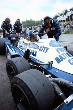 Ronnie Peterson talking to team boss Ken Tyrrell in the ELF Tyrrell-Ford P34B, 1977 Belgian Grand Prix, Zolder