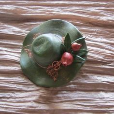 Ceramic Birds, Ceramic Pottery, Air Dry Clay, Vignettes, Decoupage, Paintings, Hats, Porcelain Ceramics, Crafts