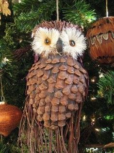 Easy Pine Cone Craft Projects: Christmas Ornaments, Turkeys, Wreaths, and More. and peanut butter on a pine cone is a great nature ornament and you can roll it in cereal ; Pinecone Ornaments, Owl Ornament, Diy Christmas Ornaments, Christmas Decorations, Rustic Christmas, Ornament Crafts, Primitive Christmas, Christmas Christmas, Pinecone Owls
