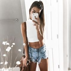 Chic Stand Collar Sleeveless Solid Color Crop Top For Women