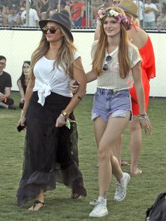 Bella Thorne festival outfit