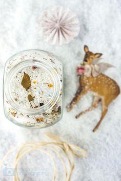 Christmas homemade food idea: herb salt!