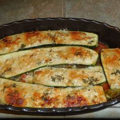 Gefuellte-Zucchini-mit-Ziegenkaese-Salbei-Honig-Fuellung