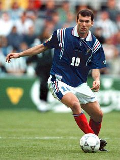 Best Football Players, Football Kits, Football Jerseys, Soccer Players, France Football, Zinedine Zidane, Soccer World, Sporty Girls, Sport Fashion