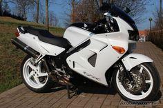 domi's 2001 Honda VFR 800