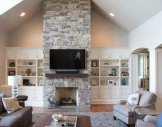 Hottest Totally Free Faux Fireplace vaulted ceiling Concepts If you're like mo. - Hottest Totally Free Faux Fireplace vaulted ceiling Concepts If you're like most urban apartment - Stone Veneer Siding, Stone Veneer Fireplace, Tv Over Fireplace, Fireplace Built Ins, Home Fireplace, Faux Fireplace, Fireplace Ideas, Modern Stone Fireplace, Fireplace Makeovers