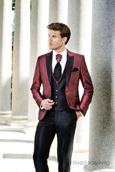 ¡Atrévete con el color rojo! Impresiona a tus invitados con este elegante traje de Enzo Romano. http://www.enzoromano.com/ceremonia-2016/