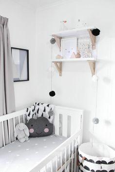 helles kinderzimmer #kinderzimmer #babyzimmer #einrichten #styling ... - Babyzimmer Interieur Einrichten