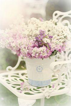 Shabby chic flower decor