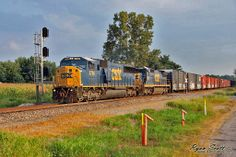 by Ryan Scott - 26 août 2013 CSX Transportation CSXT 8786 SD60M northbound on CSX mainline Fort Branch Indiana August 25, 2013