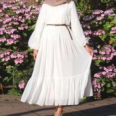 Modern Hijab Fashion, Muslim Women Fashion, Modesty Fashion, Islamic Fashion, Indian Fashion Dresses, Abaya Fashion, Fashion Outfits, Mode Abaya, Mode Hijab