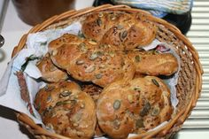 Domácí špaldovo žitné housky Slovak Recipes, Cooking Recipes, Healthy Recipes, Delish, Muffin, Food And Drink, Sweets, Bread, Baking