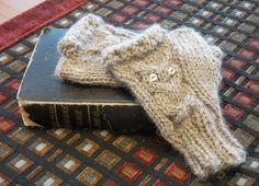Celebrate Banned Books Week with Owlie Cabled Study Gloves! (with pattern) - KNITTING