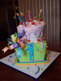 Fun Fondant Birthday Cake and Present Cake Pretty Cakes, Cute Cakes, Yummy Cakes, Fondant Cakes, Cupcake Cakes, Fondant Bow, 3d Cakes, Fondant Tutorial, Fondant Flowers