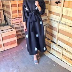 IG: Des_Farah974 || IG: BeautiifulinBlack || Abaya Fashion ||