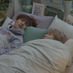 we all knew damn well jaebeom wanted to cuddle that day Youngjae, Yugyeom, Jaebum Got7, Mark Jackson, Got7 Jackson, Jackson Wang, Jinyoung, Wattpad, Kpop