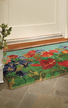 The brilliant blooms of gorgeous wildflowers are backed by the strength of natural coir fibers in our exclusive Wildflowers Coco Mat.