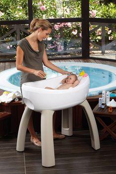 El Magic Bath, es una bañera para bebes, diseñado con un sistema de masaje de aire.