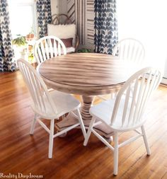 Looking for a way to freshen up that old table? Check out this awesome faux planked table transformation! Full tutorial for using white paint and stain. Painting Laminate Table, Laminate Furniture, Furniture Makeover, Furniture Decor, Painting Furniture, Furniture Projects, Wood Projects, Stripping Furniture, Plank Table