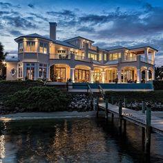 Une villa qui en jette | luxe, vacances, villas de luxe. Plus de nouveautés sur http://www.bocadolobo.com/en/inspiration-and-ideas/