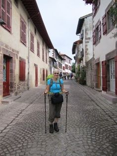 Becoming A Walker: Day 1 - St Jean Pied de Port > Huntto