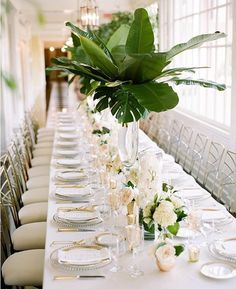 #tablescape #wedding #greenandwhite #lilygreenthumbs