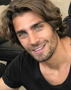 Grey Beards, Long Beards, Gorgeous Eyes, Beautiful Men, Cool Hairstyles For Men, Male Hairstyles, Romantic Men, Beard Tips, Hairy Hunks